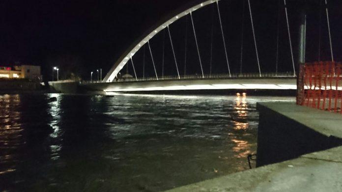 Alessandria col fiato sospeso ma tanaro e bormida sono in for Piani di progettazione di ponti gratuiti