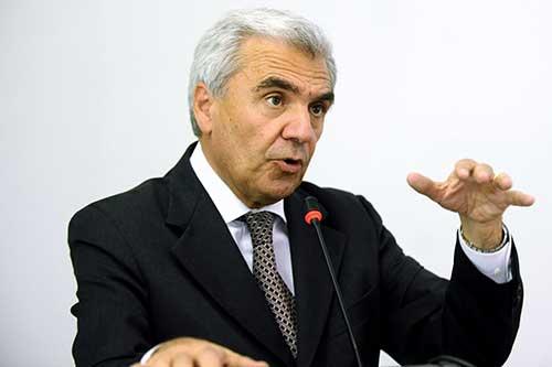 3 all'ex Ministro Balduzzi sui tagli ad Ostetricia, 9 al sindaco di Tortona che tutela i suoi cittadini [Le pagelle di Gzl] CorriereAl