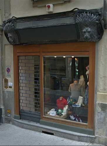 Emejing Vetrina Rossa Bergamo Images - ubiquitousforeigner.us ...
