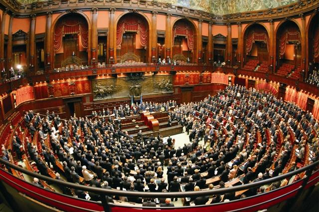 Pd verso il congresso paolo e rita contro il resto del for Parlamento rome