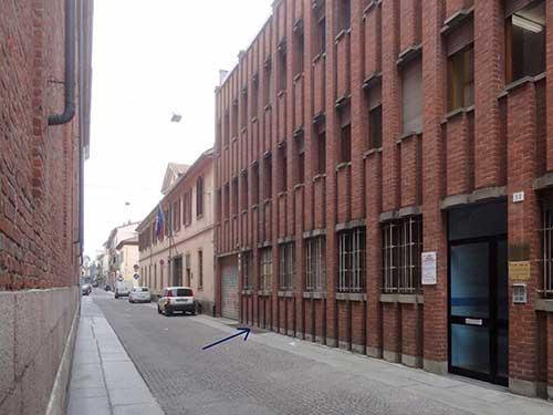 Il-palazzo-costruito-in-seguito-alla-demolizione-di-quello-in-cui-aveva-sede-la-Pasticceria-Gallina-1