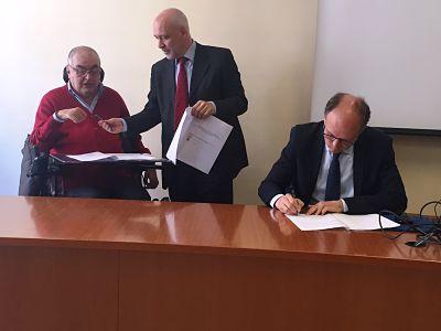Copia di Digspes, Comune e Associazione Idea firmano il protocollo di intesa per una mobilità a misura di disabile CorriereAl 2