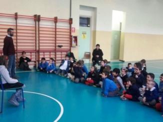 Cosmo e Polizia Locale di Casale incontrano le scolaresche su decoro della città e raccolta differenziata CorriereAl 1
