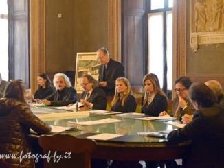 Natale con Chagall - Oltre il paesaggio: da venerdì a fine gennaio una grande mostra alla Biblioteca Civica Calvo CorriereAl